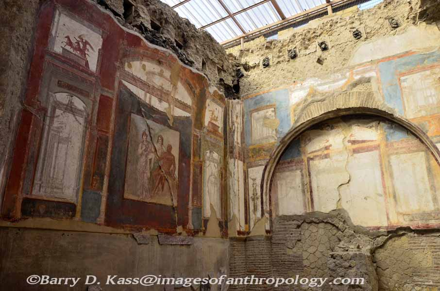 Ancient roman herculaneum italy for Ancient roman interior decoration